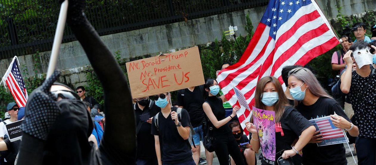 China prohíbe hacer escala en Hong Kong a aviones y buques militares de EEUU