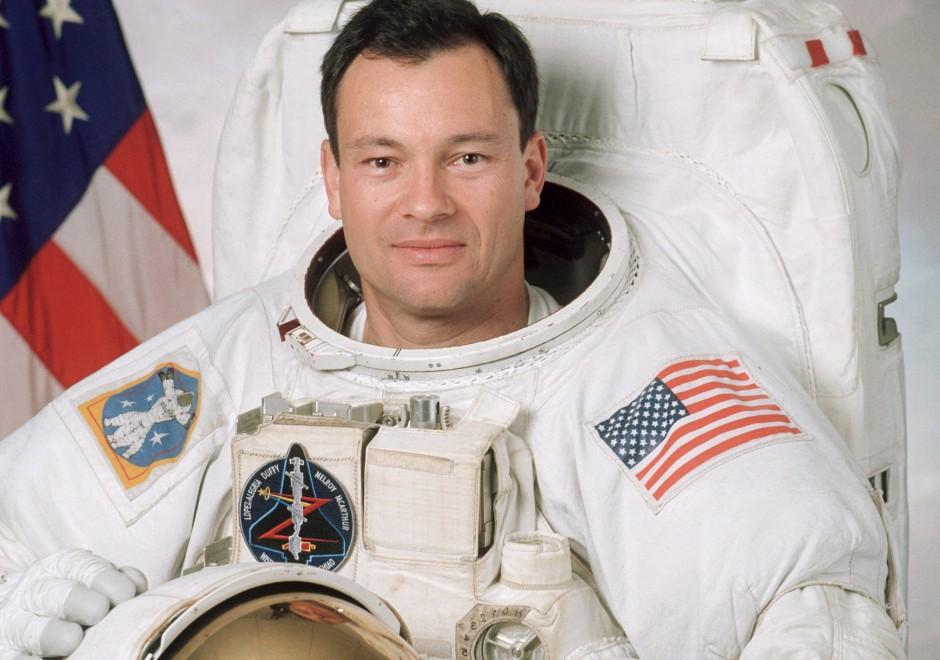 López-Alegría, el primer astronauta español ingresa en el Salón de la Fama