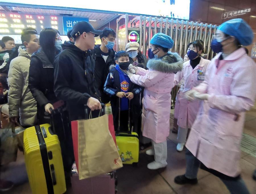 Detectan coronavirus en alimentos congelados de importación en Wuhan