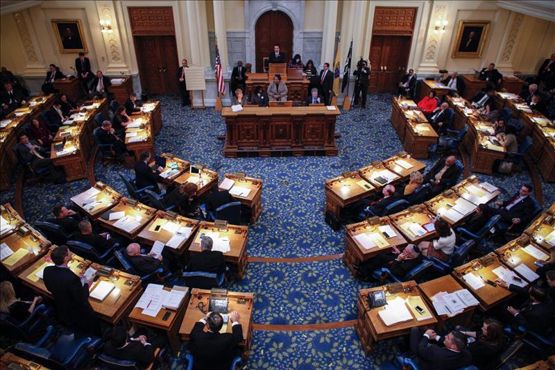 Demócratas seguirán dominando Cámara de Representantes con Nancy Pelosi al frente