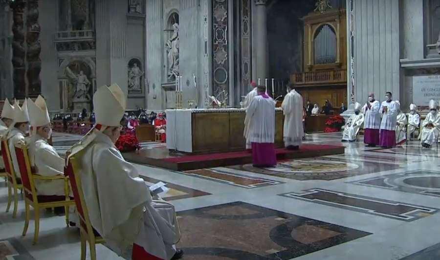El papa Francisco desea 'un feliz y sereno 2021'