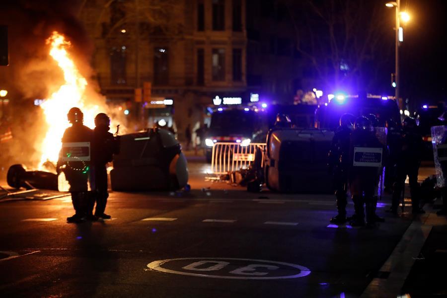 Image result for Disturbis a Barcelona pablo hasel