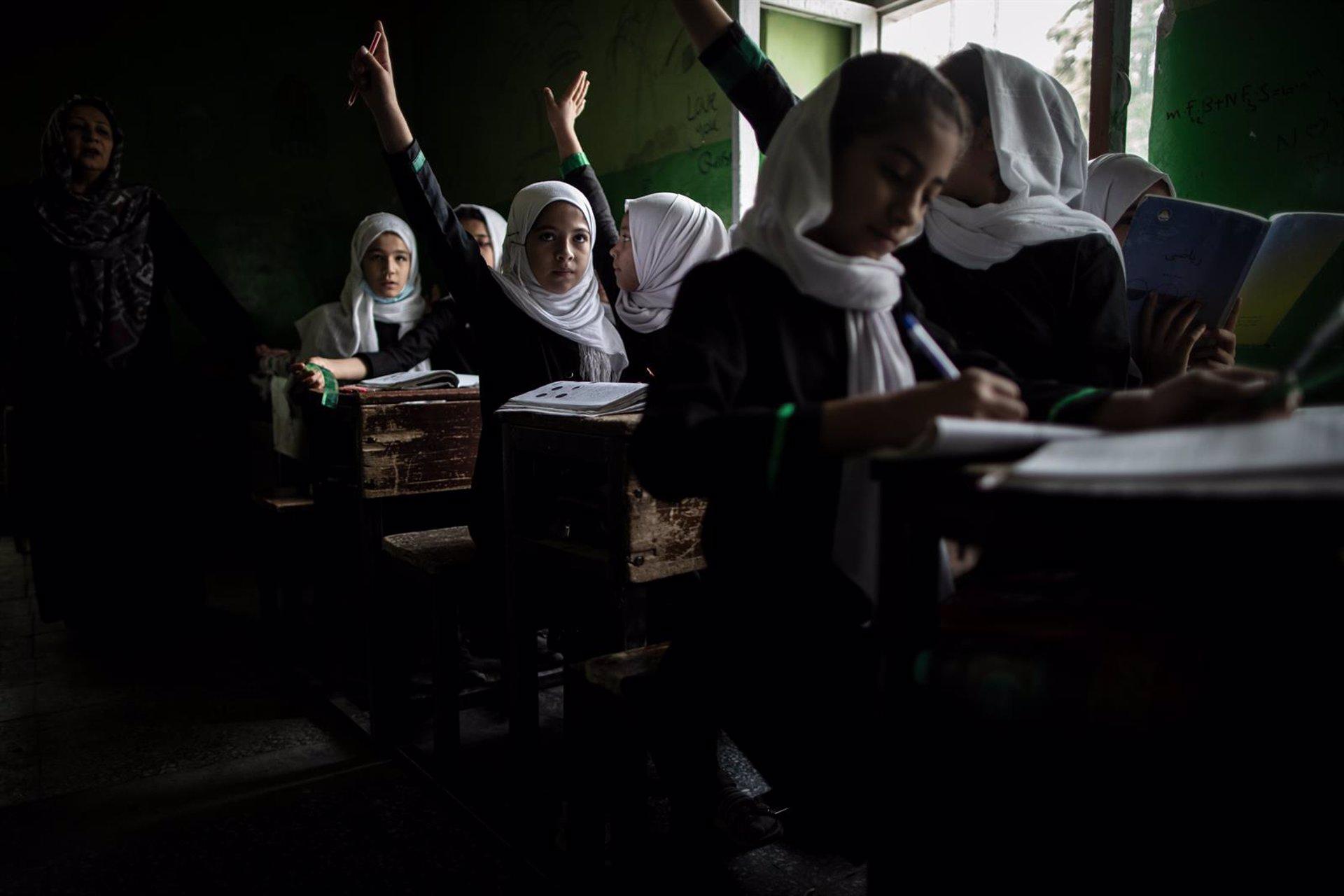 Amnistía Internacional denuncia la situación de las niñas en la escuela en Afganistán