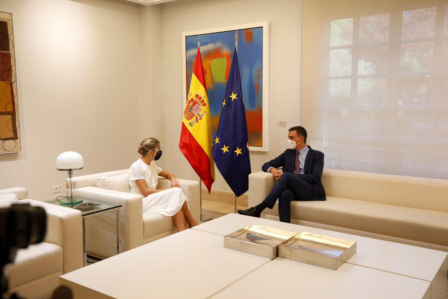 Yolanda Díaz y Pedro Sánchez PGE